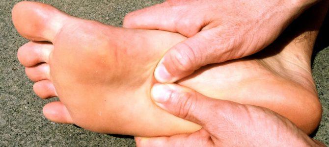 fáj a nagy lábujjak és a kezek ízületei térdrámosás helyreállítási ideje