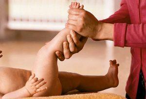felbukkant egy lábán, amelynek súlyos fájdalma van a bokaízületben csípő-csontritkulás következményei