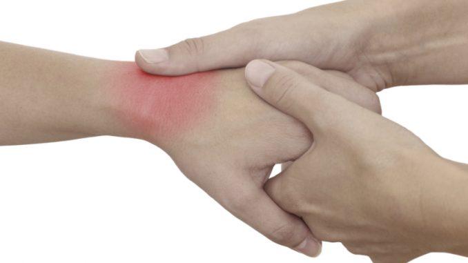 csukló ízületi gyulladás okai ízületi fájdalom kezelése köszvényben