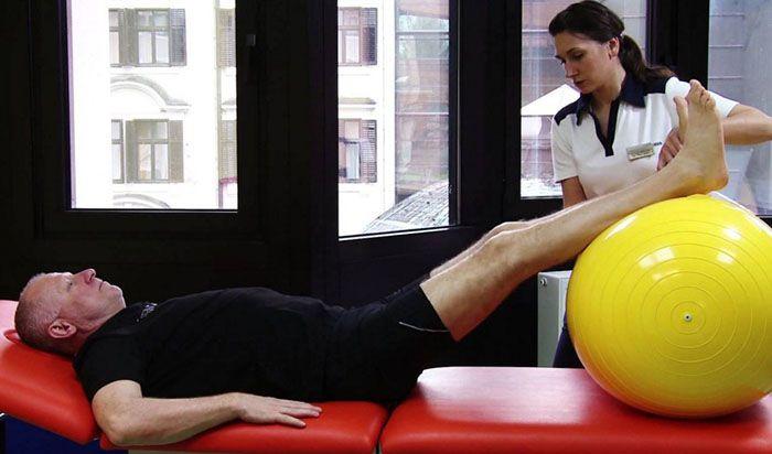 a térd artrózisának kezelésére szolgáló gyakorlatok sorozata térd íngyulladás tünetei