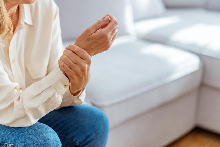 rheumatoid arthritis hüvelykujj
