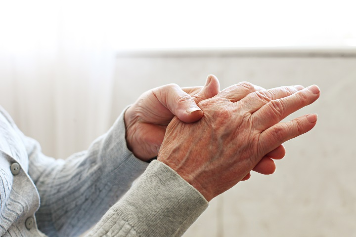 reumás kéz tünetei