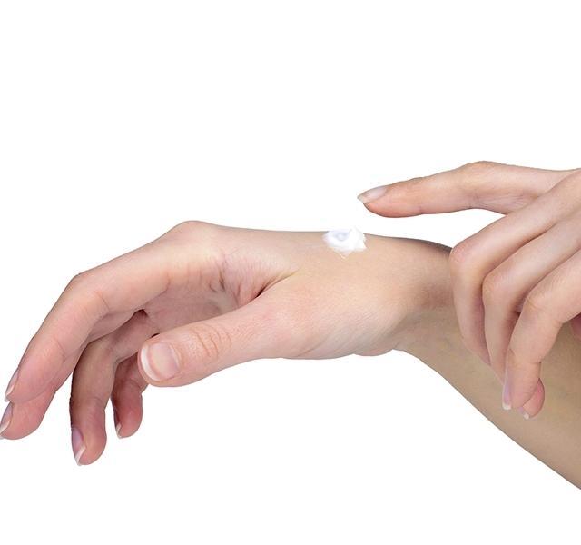 a fájó kéz dudorodott meg az ízületen a csípőízület ízületének helyreállítása