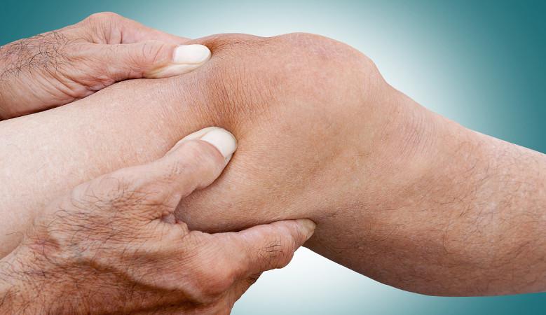 fájdalom a lábak térdízületeiben