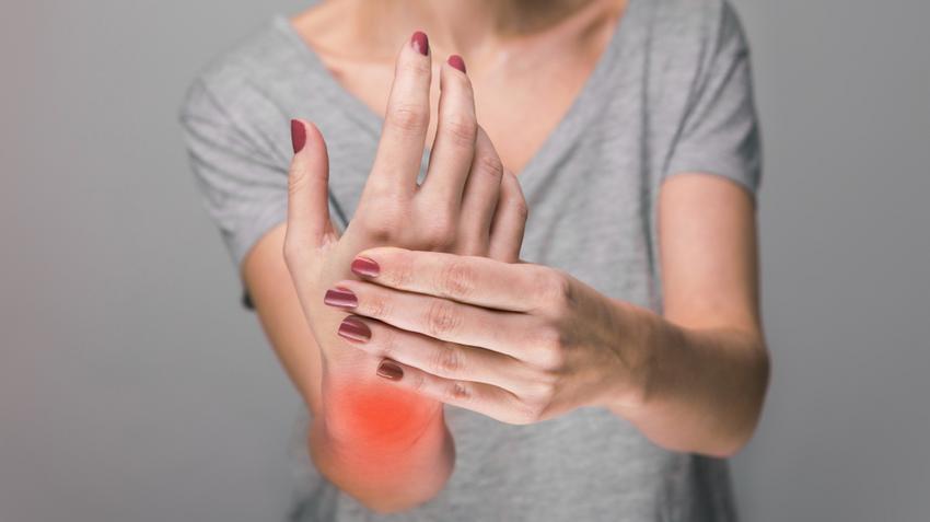 fájdalom a csípőízület ágyékában súlyos fájdalom a csípőízületek kezelésében