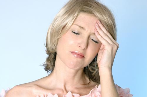 fáj a fej teteje és az ízületek