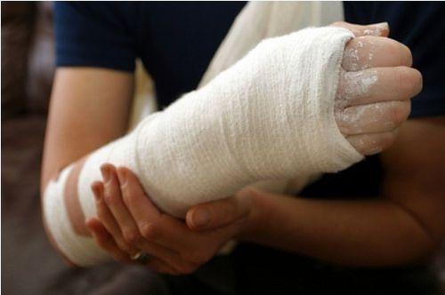 fájdalom a könyöktől a kezig clavicularis acromialis ízületi kezelés