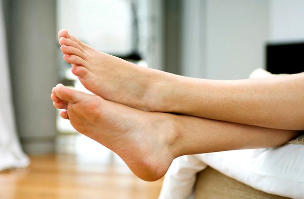 izzadás lábak