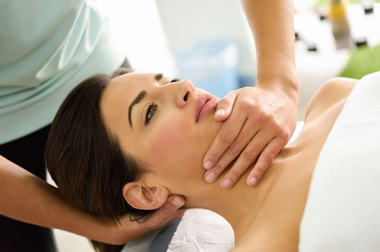 Gyakran fáj a nyaka? Ez lehet az oka - Egészséges ízületek