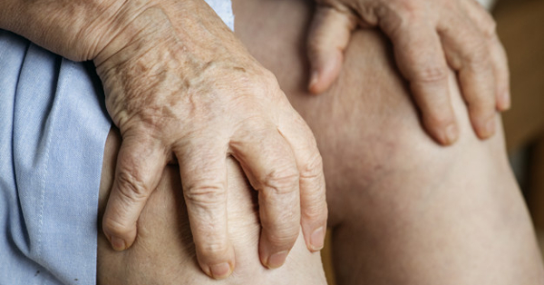 fájdalom az ízületekben és a jobb kézben
